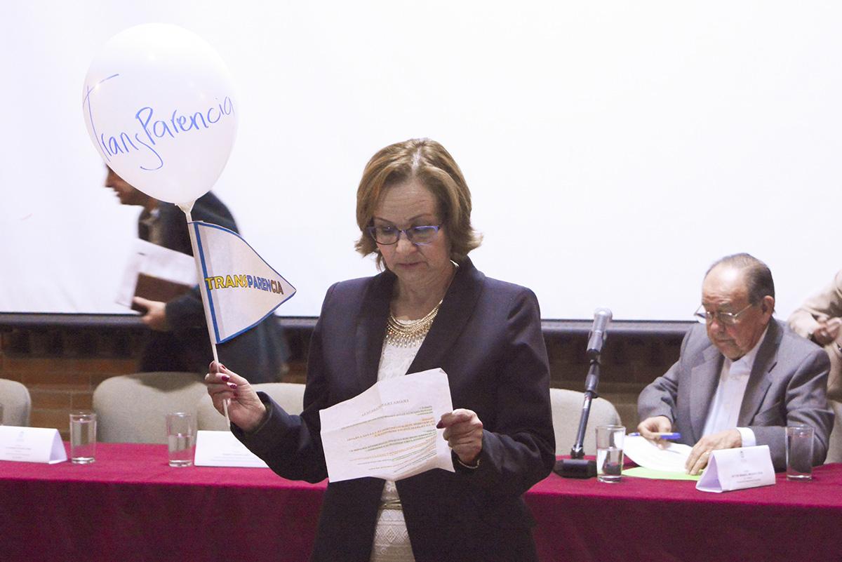 """El foro """"Transparencia, hablemos del tema"""" fue realizado en el auditorio Virginia Gutiérrez de la U.N."""