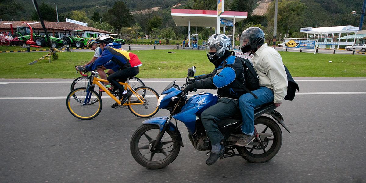 En Quevedo rige prohibición de dos personas en moto desde las 19:00 a 06:00