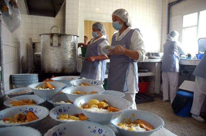 Comedores comunitarios deben ir más allá de la comida - UNIMEDIOS ...