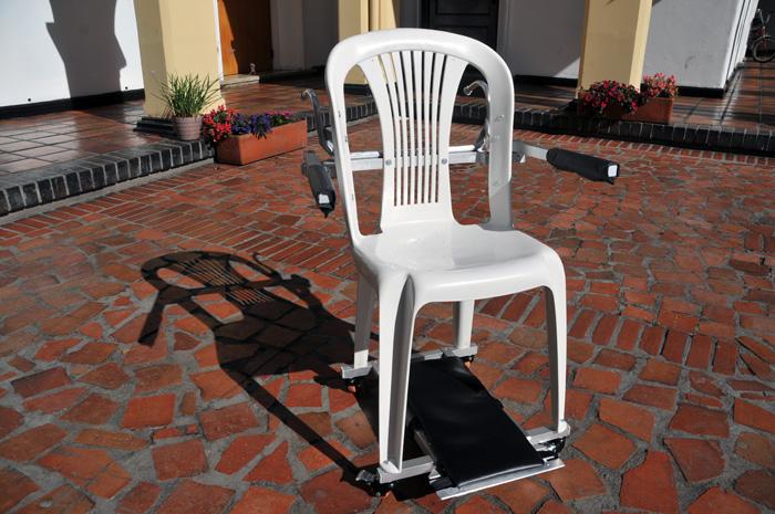 Dise an silla para ayudar a quienes padecen guillain barr for Sillas wc para enfermos